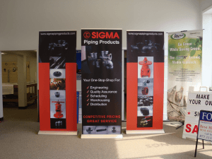 Retractable Banner Stand Back Wall Printed on No Curl Banner
