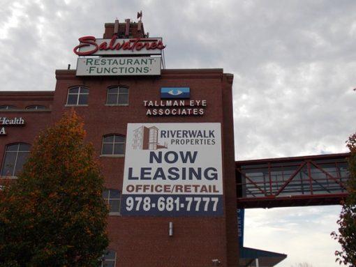 large for lease vinyk banner
